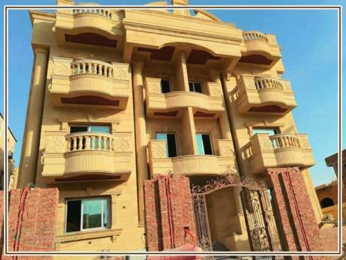 انواع حجر تشطيب واجهات منازل مودرن 500x375 - ديكور واجهات منازل حديثة بتصاميم تشطيب واجهات مودرن
